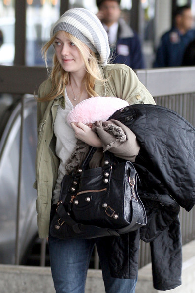 Dakota Fanning Hats