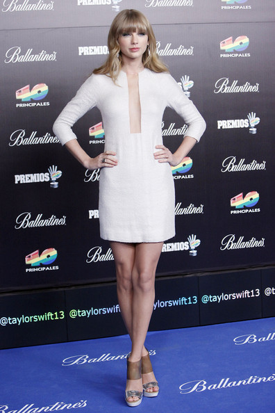 More Pics of Taylor Swift Cocktail Dress (8 of 12) - Taylor Swift Lookbook - StyleBistro