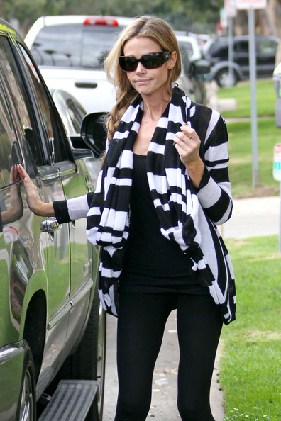 More Pics of Denise Richards Cardigan (1 of 7) - Denise Richards Lookbook - StyleBistro