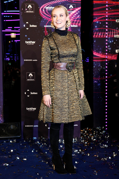 More Pics of Diane Kruger Oversized Belt (1 of 11) - Diane Kruger Lookbook - StyleBistro