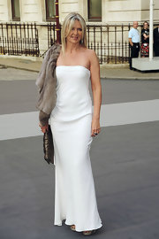 Amanda looked chic in a strapless white evening gown for the Royal Academy of Arts' Summer Exhibition.