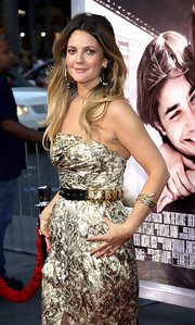 Drew Barrymore paired her gold brocade strapless dress with long flowing waves.