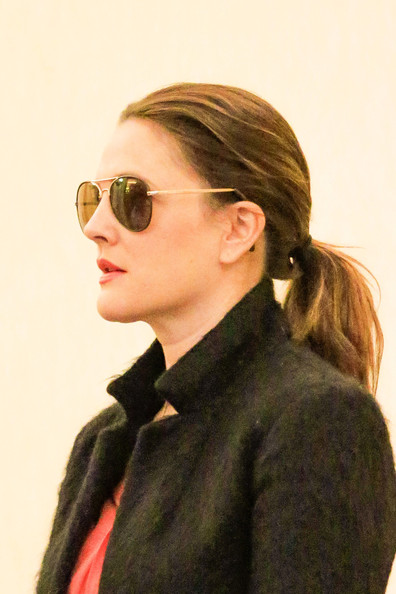 More Pics of Drew Barrymore Aviator Sunglasses (1 of 31) - Aviator Sunglasses Lookbook - StyleBistro