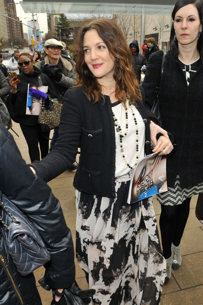 More Pics of Drew Barrymore Long Skirt (3 of 13) - Drew Barrymore Lookbook - StyleBistro
