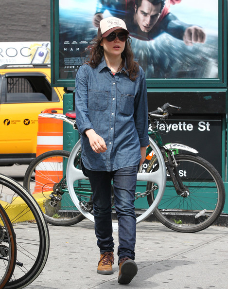 More Pics of Ellen Page Skinny Jeans (1 of 6) - Skinny Jeans Lookbook - StyleBistro