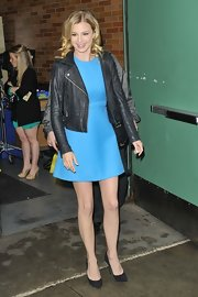 Emily VanCamp made an appearance on 'Good Morning America' wearing a pair of black blade pumps.