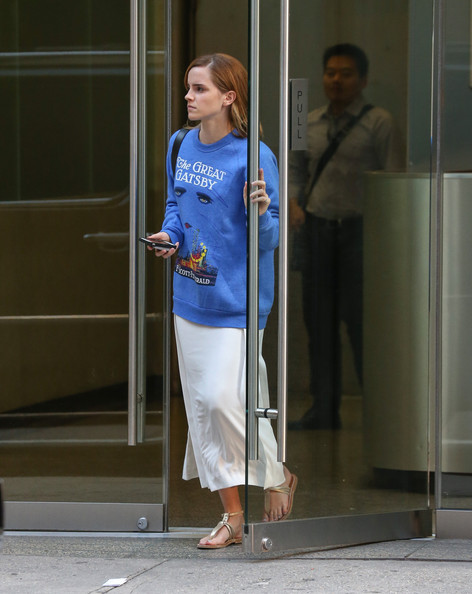 More Pics of Emma Watson Sweatshirt (5 of 10) - Emma Watson Lookbook - StyleBistro