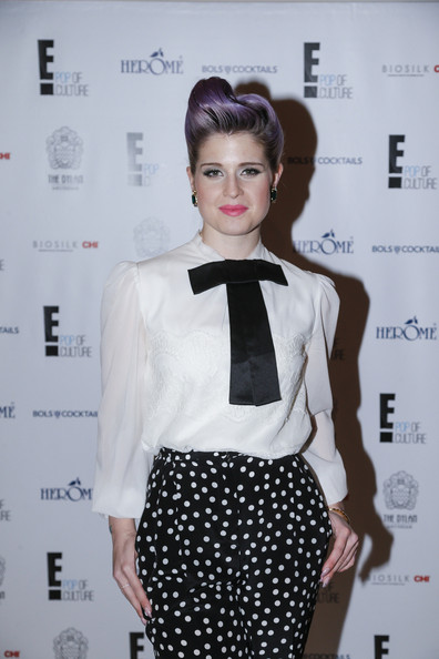 More Pics of Kelly Osbourne Loose Blouse (1 of 19) - Kelly Osbourne Lookbook - StyleBistro