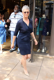 This ruched jersey dress was a perfect day look on Jamie Lee Curtis.