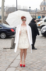 Fan Bingbing wore this darling laser cut dress to the Louis Vuitton show in Paris.