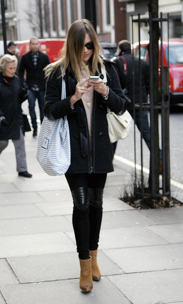 More Pics of Fearne Cotton Canvas Hobo Bag (4 of 5) - Canvas Hobo Bag Lookbook - StyleBistro