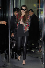 Kendall Jenner arrived in style in leather pants before the Heart Truth fashion show in NYC.