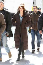 Shailene Woodley kept warm on the set of 'Spider-Man 2' set with this ankle-long down jacket.