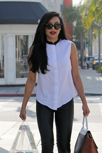 More Pics of Naya Rivera Button Down Shirt (2 of 19) - Tops Lookbook - StyleBistro
