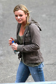 Bree Olson wore a hooded grey jacket over her printed tee and skinny jeans.