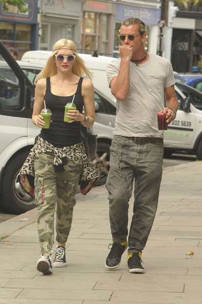 More Pics of Gwen Stefani Harem Pants (1 of 10) - Gwen Stefani Lookbook - StyleBistro