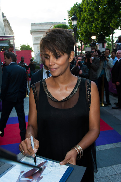 More Pics of Halle Berry Pixie (2 of 8) - Short Hairstyles Lookbook - StyleBistro