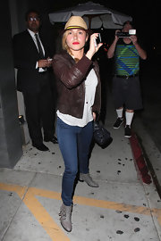 Hayden Panettiere looked totally stylish in this dark brown bomber jacket, which she sported while out in Hollywood.
