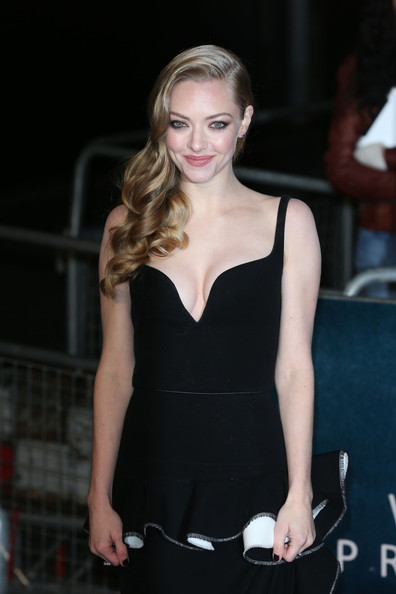 More Pics of Amanda Seyfried Cocktail Dress (5 of 8) - Amanda Seyfried Lookbook - StyleBistro