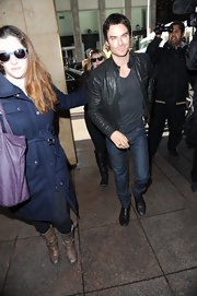 Ian Somerhalder stayed true to his bad boy image with this edgy leather jacket.