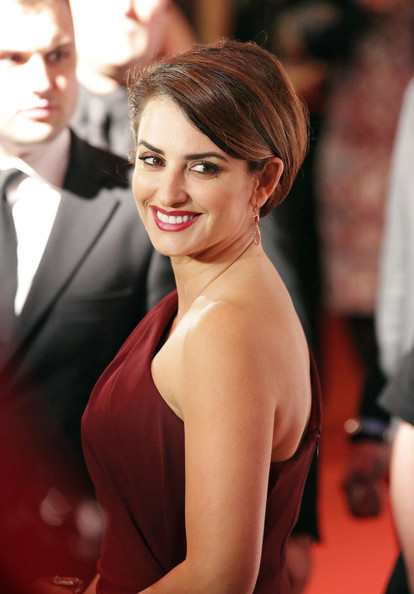 Penelope Cruz on the Red Carpet in Milan