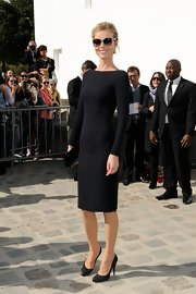 Check out this flawless LBD Eva wore to the Christian Dior show in Paris!