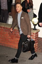 Olly Murs was seen leaving Fountain Studios in his usual pants, shirt and blazer ensemble.