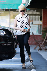 Michelle Williams showed her classic retro style with this black and white polka dot blouse.