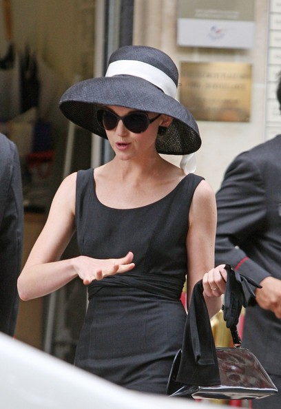 Jayma Mays Oversized Sunglasses