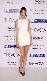 Kendall Jenner wore a mini mod dress to the Hollywood premiere of 'The Vow.'