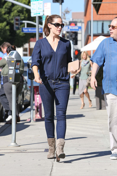 More Pics of Jennifer Garner Skinny Jeans (1 of 10) - Jennifer Garner Lookbook - StyleBistro