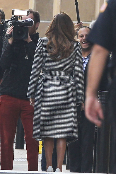 More Pics of Jennifer Lopez Trenchcoat (1 of 6) - Trenchcoat Lookbook - StyleBistro