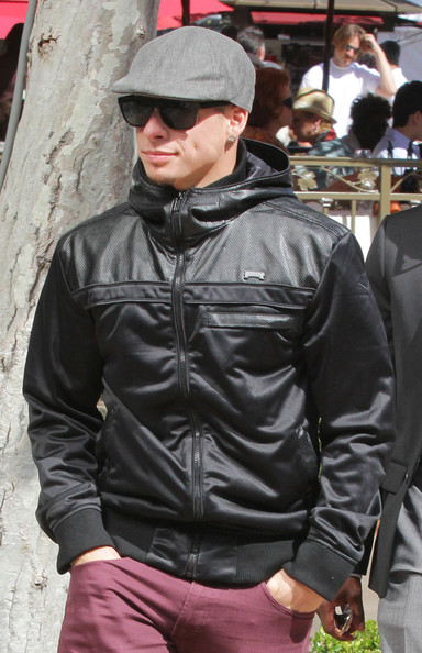 Casper Smart's bomber jacket was a casual yet still chic choice.
