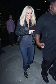 Jenny McCarthy enjoyed a night o the town in a pair of tight skinny jeans and a burn out tee.