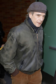 A backwards newsboy cap was the hat of choice for British actor Jeremy Irons.