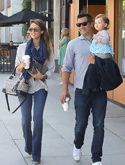 This navy polka dot scarf was a totally summery touch for Jessica Alba!