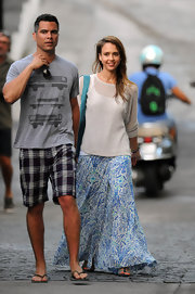 Jessica Alba looked ready for the beach in this floral, hippie-inspired skirt.