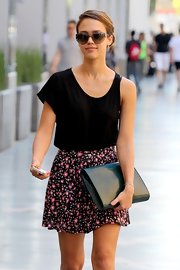 Jessica Alba was her usual stylish self in her brown Tory Burch sunglasses while headed to a meeting in L.A.