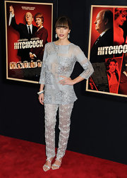 Jessica Biel took glamour to the max at the 'Hitchcock' premiere a gorgeous glitzy crew-neck top.