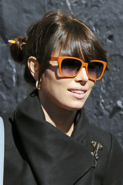 Jessica Biel brightened up her look with a pair of whimsical orange shades.