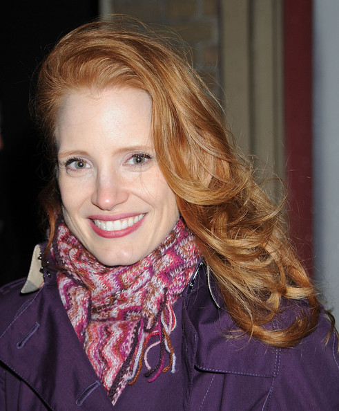 More Pics of Jessica Chastain Patterned Scarf (1 of 4) - Jessica Chastain Lookbook - StyleBistro