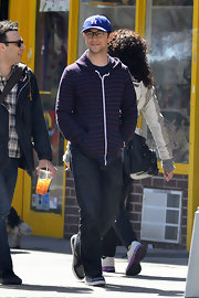 Joseph Gordon-Levitt looked cool and hip as usual strolling the streets of NYC when he sported this navy and red striped zip-up hoodie.