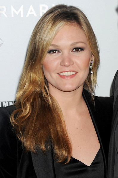 Julia Stiles Beauty