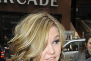 Julia Stiles Short Curls