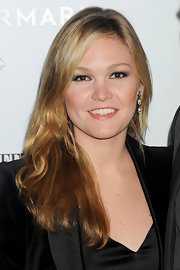 Julia Stiles arrived at the NYC premiere of 'W.E.' wearing deep smoky shades of eyeshadow.