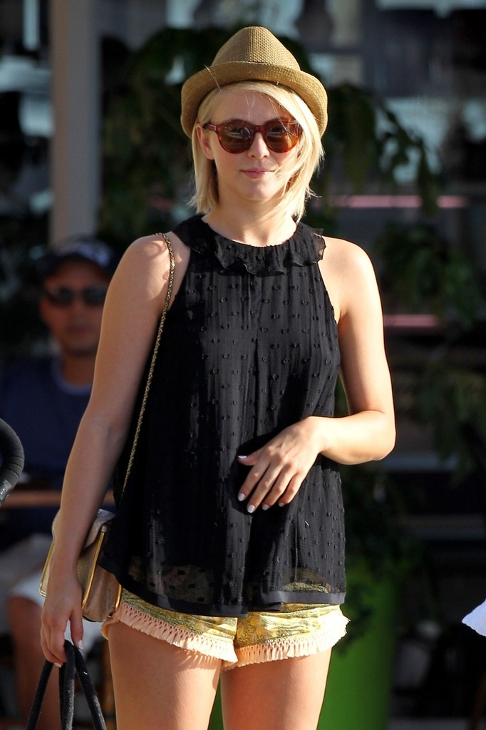 Julianne Hough Loose Blouse Julianne Hough Looks