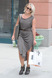 Julianne kept her look casual but super stylish with a luxe, draped jersey dress.