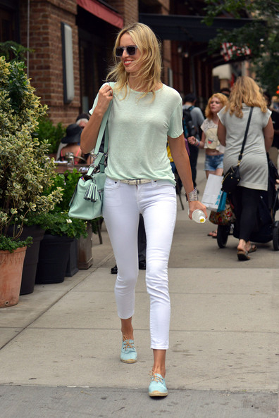 More Pics of Karolina Kurkova T-Shirt (5 of 7) - Karolina Kurkova Lookbook - StyleBistro