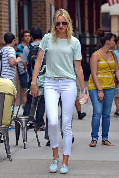 More Pics of Karolina Kurkova T-Shirt (1 of 7) - Karolina Kurkova Lookbook - StyleBistro