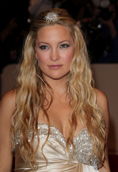 Medium Wavy Cut, Long Hairstyle 2011, Hairstyle 2011, New Long Hairstyle 2011, Celebrity Long Hairstyles 2015